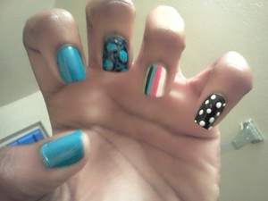love the definition of a darker/lighter blue cheetah print :D and the stripes...oh my!