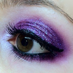 I wanted to bust out a quick look with my new Eye Kandy sprinkles. On first look I think Jellybean is my favourite, so I used it first. It's such a gorgeous purpley colour; good enough to eat and looks very, very tasty.
