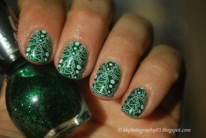 http://hkphotography83.blogspot.cz/2015/12/bna-challenge-17-christmas-nails.html