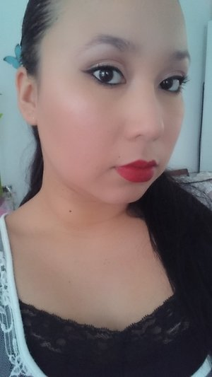 I never use red lipstick i dont like it on me, but i decided to give the lipstick pencil cruela from nars a go (i got it for free as part of the sephora birthday gift) and i got to say i think it pulled the look together it kinda faded in the corner of my lips sorry lol