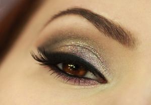 A look inspired by New Year's Eve with a little special color combinations.