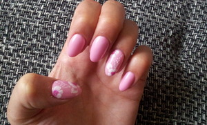 """light mother of pearl pink  with beautiful flowers. Made by """"Nails in the City"""" in Frankfurt, Germany"""