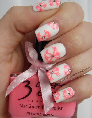 Tutorial on : http://claudiacernean.blogspot.ro/2014/11/unghii-cu-flori-flowers-nails.html . Using the code ' CRX31' you will get 10% discount for all the www.BornPrettyStore.com products.