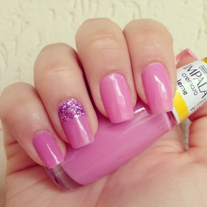 Nice and simple pink nails