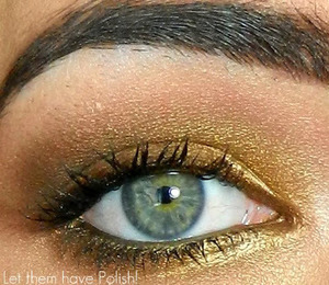 A simple golden look