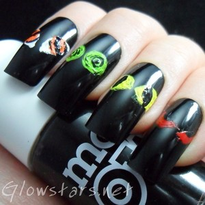To find out more about this mani please visit http://glowstars.net/lacquer-obsession/2012/10/things-that-go-bump-in-the-night