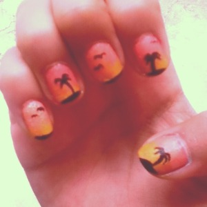 Summer nails could not get any sweeter than this 😊