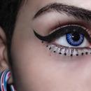 Eyeliner ~ Dots .