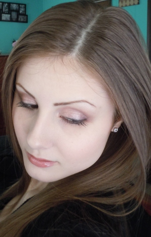 Look using Rimmel London Glam Eyes quad in English Rose