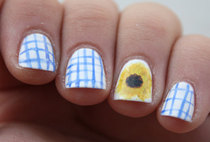 http://iloveprettycolours.blogspot.com/2012/07/summer-challenge-1-sunflowers.html