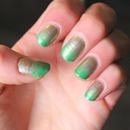 Gold/green ombré nails