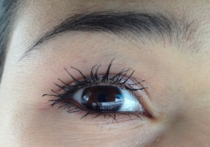 I did these really quick in the morning with a simple shimmer creme shadow and Revlon's Mascara.