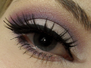 http://www.sminkerica.com/2012/03/10/ljubicasto-rozi-makeup/
