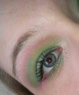 hummingbird inspired makeup.  metallic colorful smokey eyes.