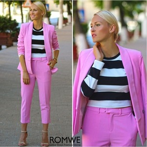 Rose Blazer, featuring unique collar, long sleeve styling, shoulder pads design, single button styling, pockets front, regular length, loose fit. Mix and match with your favorite T-shirt and/or high heels.