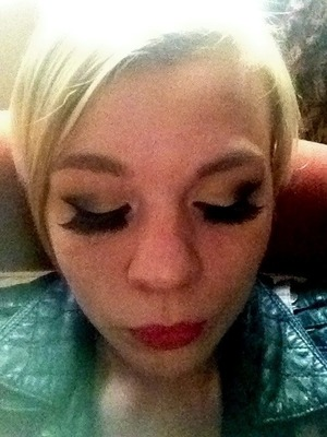 As ott as they are, I love my fanned eyelashes ! <3
