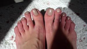 Such a beautiful polish :)