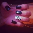Black zebra gel nails