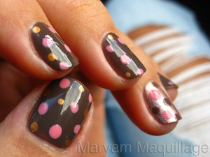 chocolate bubbles http://www.maryammaquillage.com/2011/10/pink-chocolate-bubbly.html