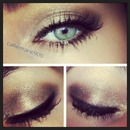 Silvery/neutral Smokey Eye