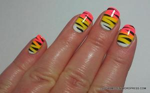 http://sugarmitten.wordpress.com/2012/04/12/gradient-zebra-print-tutorial/