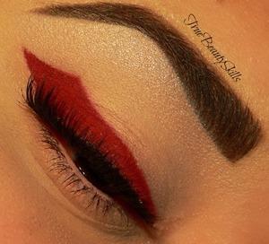 makeup geek - poison eyeliner concrete minerals pro matte risque