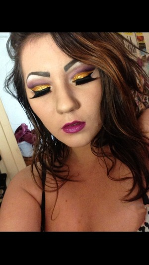 Glitter Cutcrease and Overdrawn Lips