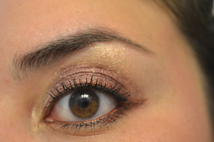 Using a few La Splash pigments, as well as Cailynn gel liner in Bronze.