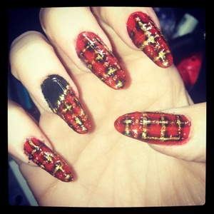 plaid Christmas nail art