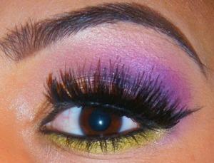 http://smokincolour.blogspot.com/2013/04/purple-green-my-new-hurr.html