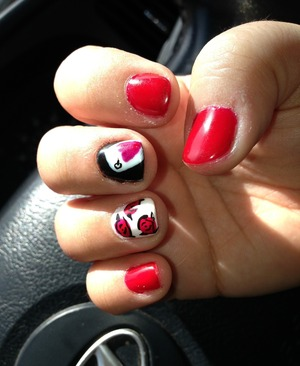 Alice in wonderland queen of hearts, playing card and red rose. Gel mani