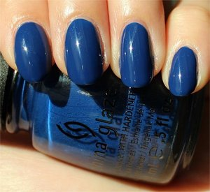 See more swatches & my review here: http://www.swatchandlearn.com/china-glaze-man-hunt-swatches-review/