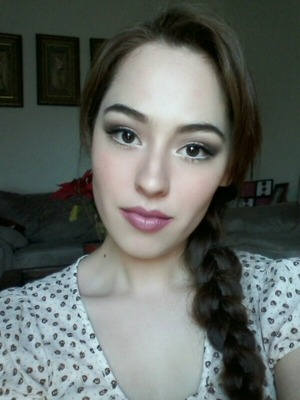 Just a basic makeup look. I hope you all have a great weekend!