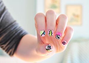 http://lacquerdicted.wordpress.com/2012/06/22/lichtenstein-cartoon-inspired-nails/