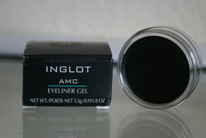 This is probably the best matte black eyeliner I've ever encountered!