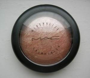 "MAC's mineralize skin finish in ""soft & gentle"""