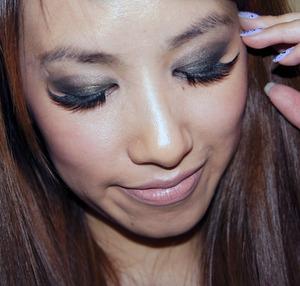 Using Rimmel Eyeshadow Quad in Green Saphire