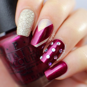 More photos & info here: http://www.lacquerstyle.com/2014/01/opi-mariah-carey-holiday-2013.html