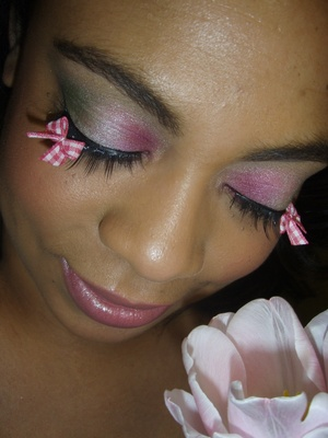Copying Make Up For Ever's Tres Vichey Ad