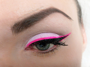 Pastel eyeshadow and Neon Eyeliner http://missbeautyaddict.blogspot.com/2012/05/pastel-and-neon-pink-eyeliner-video.html
