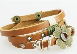 bracelet from gofavor.com