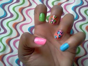 i decided to do something fun and bright for the end of summer, im too excited for fall :D