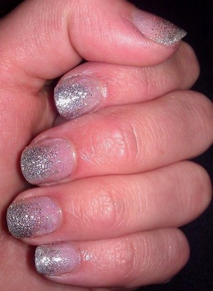 Silver gradient manicure - first time trying gradient nails!!