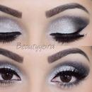 NYE makeup using the UD Vice 2