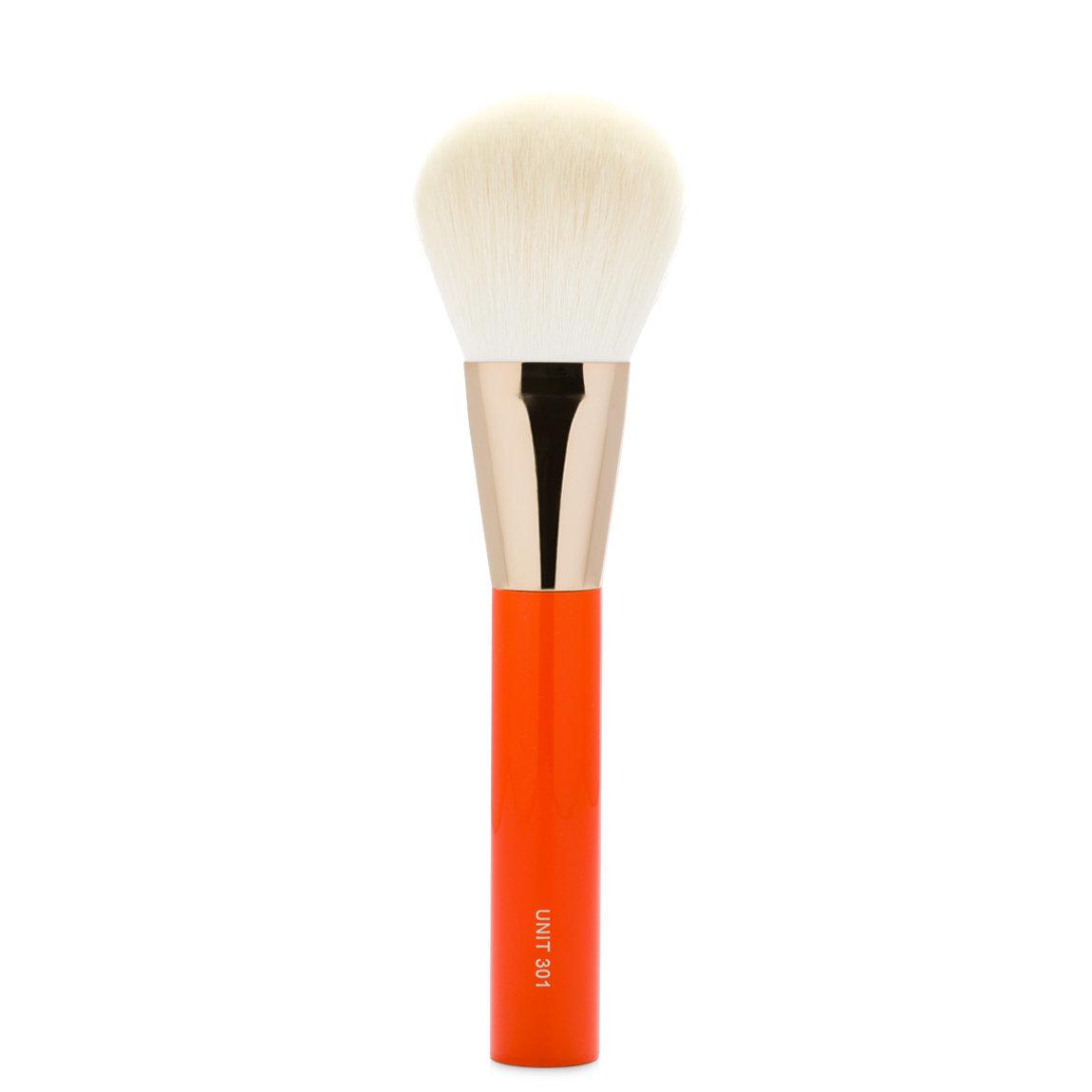 UNITS Orange Series UNIT 301 Large Bronzer Brush alternative view 1 - product swatch.