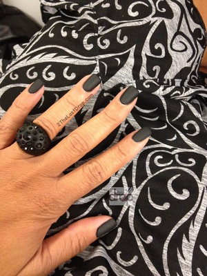 http://2thelastdrop.com/2012/09/20/black-matte-nails