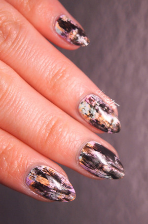http://www.drinkcitra.com/2014/03/grunge-nails-twinsie-tuesday.html