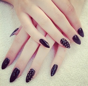 Claw acrylics with studs!