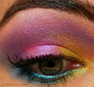 A colorful look with Naked Cosmetics Shock Effect pigment set.