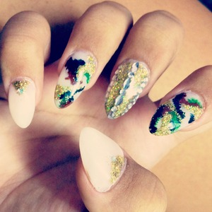 My camouflage bling nails ;)